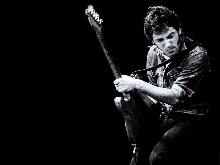 Bruce Springsteen http://youtu.be/YdhkaPZtQF4