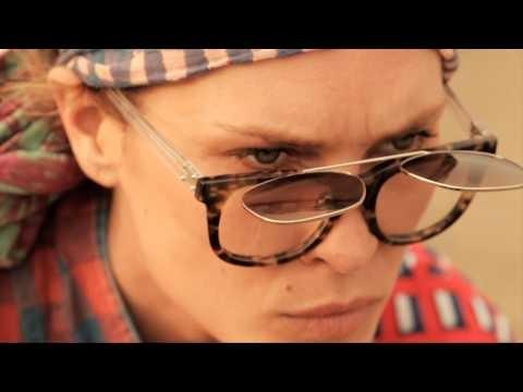 Making of de la série Les Lignes de Nazca par Mario Testino