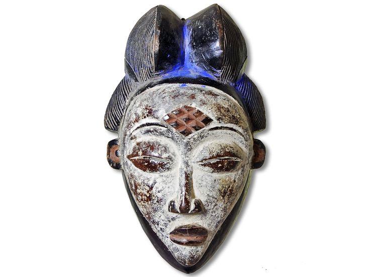Das Angebot bezieht sich auf eine edle Maske der Punu. Diese traumhafte Punu Maske wurde in mühevoller Handarbeit aus Holz gearbeitet und mit Farbpigmenten ausdrucksstark verziert. Die Maske der Punu hat eine Höhe von ca. 33cm. Jetzt heißt es sofort kaufen, ehe unser Bestand alle ist.#MaskederPunu #PunuMaske #AfricanArt #afrikanischeKunst #AfrikaDekoShop