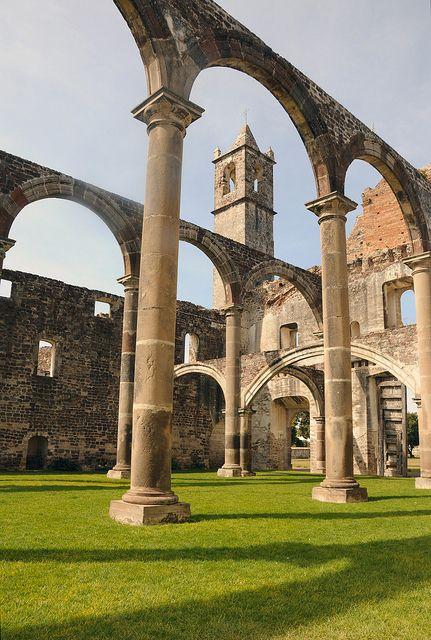 Ex Convento de Tecali, construido por franciscanos y contaba con claustro bajo, claustro alto, celdas e iglesia. #Puebla Mexico #OjalaEstuvierasAqui #BestDay