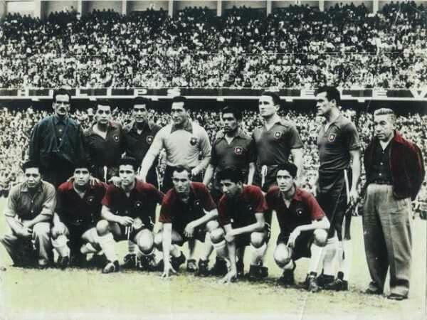 Foto de Naval con la camiseta de Chile en Perú 1957.