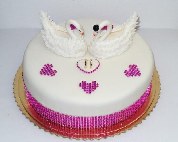 Svadobná s labuťami , svadobné torty | Tortyodmamy.sk