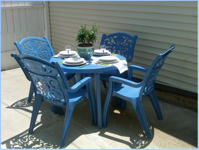 Diy Crafts Spray Paint Old Ugly Plastic Patio Furniture I Did This Today And Now Have A Beautiful Turquoise Set Top