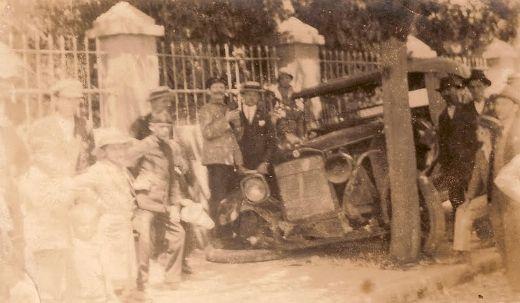 acidente de trânsito ocorrido no Centro de Joinville em 1930.  AN Memória » 2013 » abril