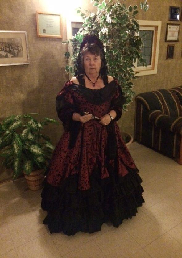 Dress for Los Californianos, hand-made, Simplicity #5724