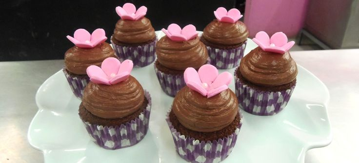 Cupcakes de chocolate con Paulina Abascal (VIDEO)