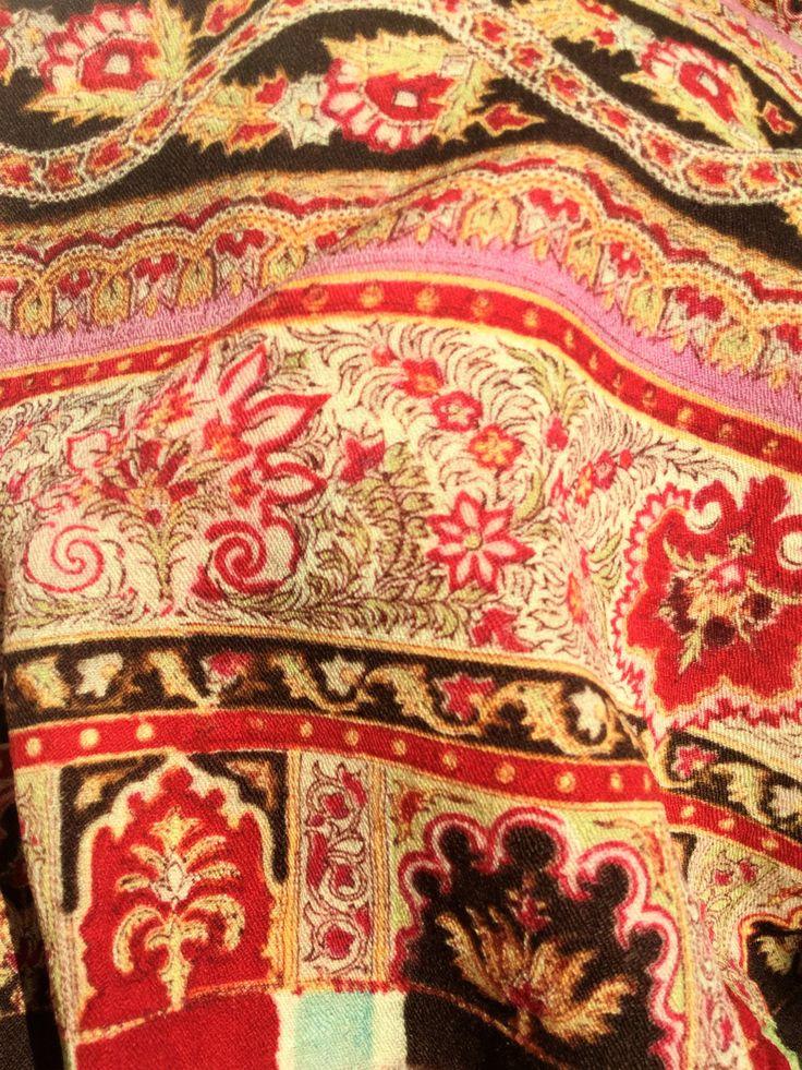 Victorian large wool paisley shawl, victorian accessories, paisley, victorian, 1800 fashion - Grande scialle Vittoriano disegno Paisley di Quieora su Etsy