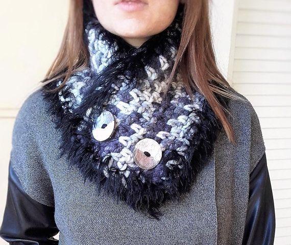 Black white chanky cowl Boston scarf Chanky by MariliartbyM