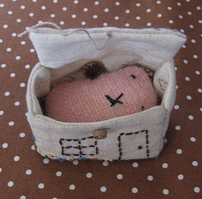 Tutorial for the embroidered little house - thanks!