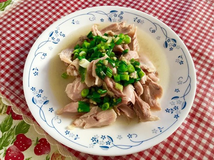 蔥油鹽焗雞 蔥油雞湯的香味加上一碗熱騰騰的白飯,簡單又好吃! ^_^