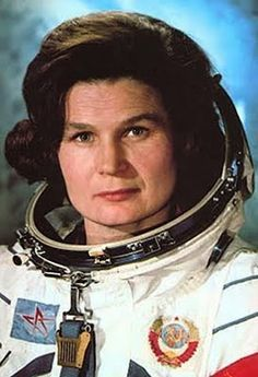 Valentina Vladimirovna Terechkova (Валентина Владимировна Терешкова), is the first woman to make a flight in the space, and is the first cosmonaut soviétique1, thanks to her flight from 19 June 1963. SHE is the only woman to have made a solo journey in the space and the youngest cosmonaute2.