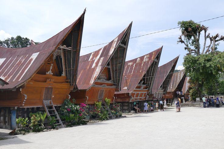 Toba See, die typischen Haeuser der Batak, Ambarita