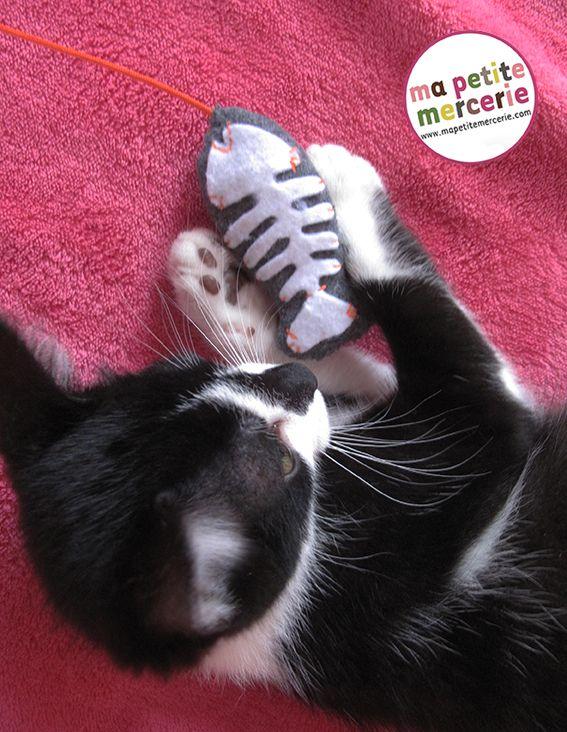les 25 meilleures id es de la cat gorie jouets pour chats en exclusivit sur pinterest jouets. Black Bedroom Furniture Sets. Home Design Ideas