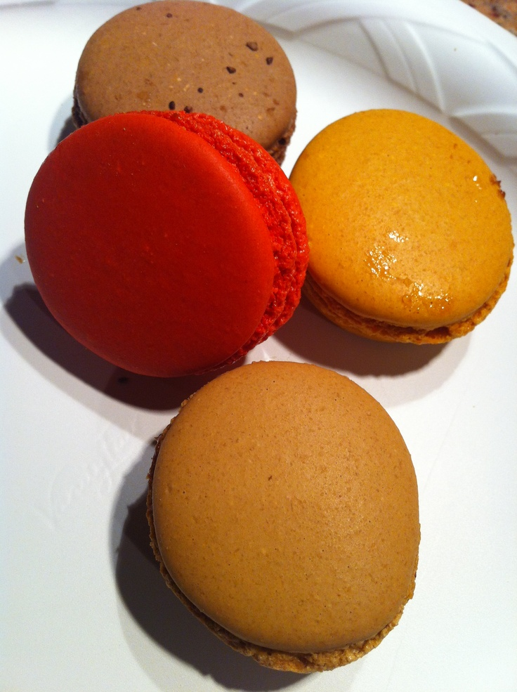 French macarons by François Payard. He's back in business at the food court @PlazaHotel in NYC and can rival Ladurée from Paris anytime! Flavors tried here: chocolate, salted caramel, coffee, and raspberry.