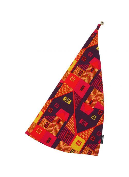 Helinää, helskettä. Leikkimielisille aikuisille värikäs Pieni Vanhakaupunki -tonttulakki on hauska asuste pikkujouluihin ja juhlapäivällisille. Lakin kärjessä kilisee pieni kulkunen. Materiaali sataprosenttista puuvillaa. Koko 28 x 55 cm.