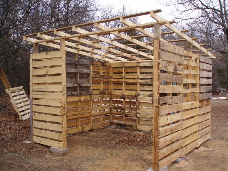 pallet shed at httpwwwoklahomahistorynetttphotos9apallets031409a