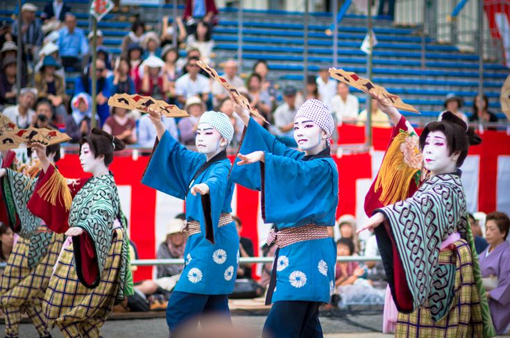 長崎くんち 2013 丸山町 傘鉾・本踊 | Nagasaki365 - 長崎の今をお届けします。