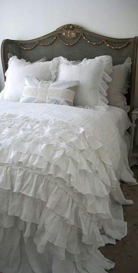 Best 25 Ruffle Bedspread Ideas On Pinterest Lace