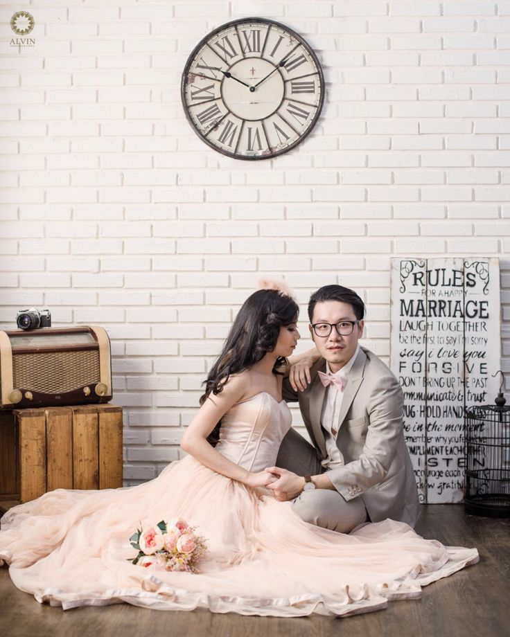 Maybe i'm too late to be your first. But right now, i'm preparing myself to be your last . . Courtesy from Stefani & David Prewedding Location Alvin Photography Studio  Photograph by @si.rv . . Check our website for the other photos at www.alvinphotography.co.id  #singaporeprewedding #singaporeweddingphotographer #preweddingsingapore #fearlessphoto #luxelist #theweddingscope #