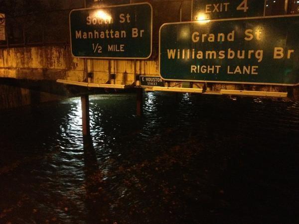 Ouragan Sandy : New York, sonnée, doit panser ses plaies
