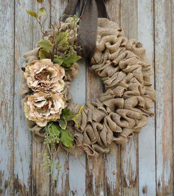 Couronne de toile de jute avec fleurs de pivoine Beige--Couronne de toile de jute avec des fleurs de terre ton et des Accents--Couronne de toile de jute--l'année Couronne de toile de jute
