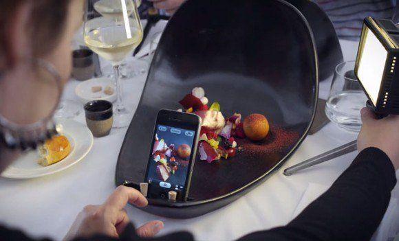 SNSでのシェア誘発!料理撮影に特化したお皿でコースを提供する料理店