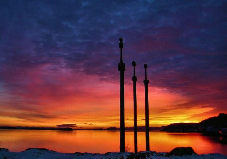 Sverd i Fjell - Swords in Mountain Photo by Kenneth McDowell — National Geographic Your Shot
