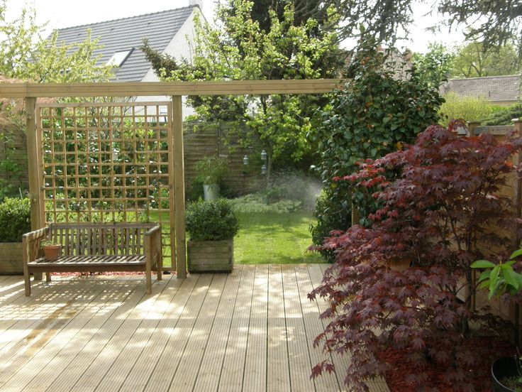 Trellis used as a screen - divide areas off or create intimate areas for dining or relaxing, combine them with planters and decorative post caps for the complete look #screens #garden #privacy #design