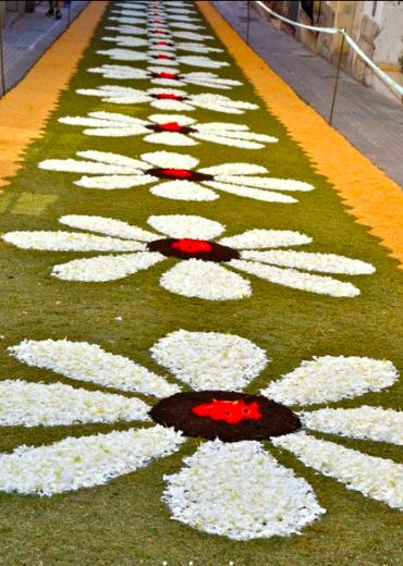 Serendipitylands sitges corpus 2014 calles alfombras - Alfombras forghani barcelona ...