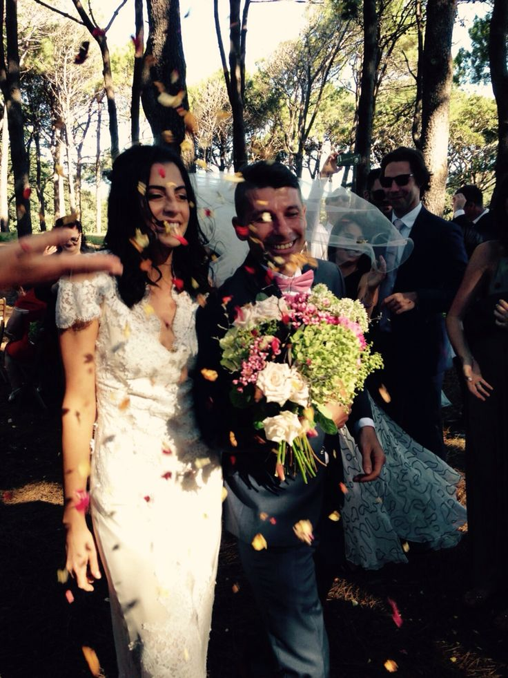 Flowers by Florosaria - florosaria.flowers #florosaria #flowersbyflorosaria #sydneyweddings #weddingsinspo #weddings #sydneyflorist #rusticflowers #bohemianflowers #hellomay #onefineday #brides #bridalideas #flowercrowninspo #sydneyflowers #flowers #wynsical #boho #bridalideas #gypsyweddings #gypsy #dreams #pretty #weddingbouquet #bridebouquet #bridesmaidbouquet