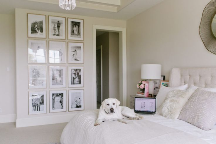 Gorgeous floor to ceiling gallery wall grid via Ivory Lane. We LOVE the look of warm silver frames in this arrangement! Want to re-create this in your space? Here's how.