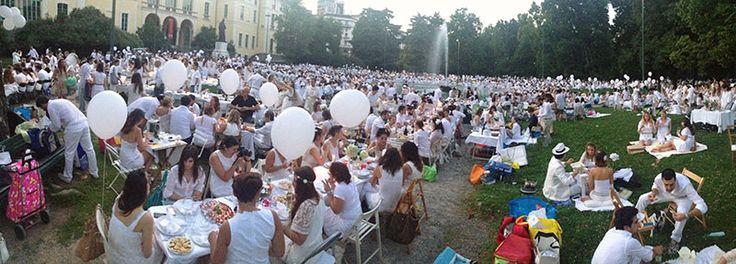 Panoramica sul bianco #raiexpo #expo2015 #milano #cenaconme #panorama #people #flashmob