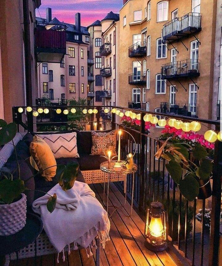 Balkon In Der Nacht Kleines Balkon Dekor Wohnung Balkon
