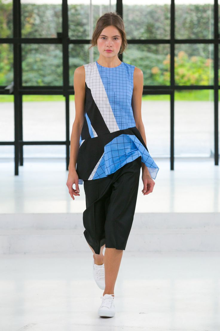 Gauchre Fashion Show Ready to Wear Collection Spring Summer 2016 in ParisCREDIT Gio Staiano / NOWFASHION