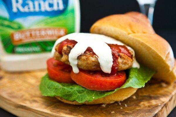 Sriracha Ranch Chicken Burgers by EclecticRecipes.com #recipe