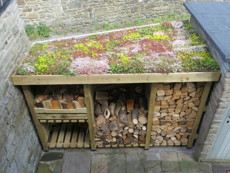 DIY Sedum Log Store Dach