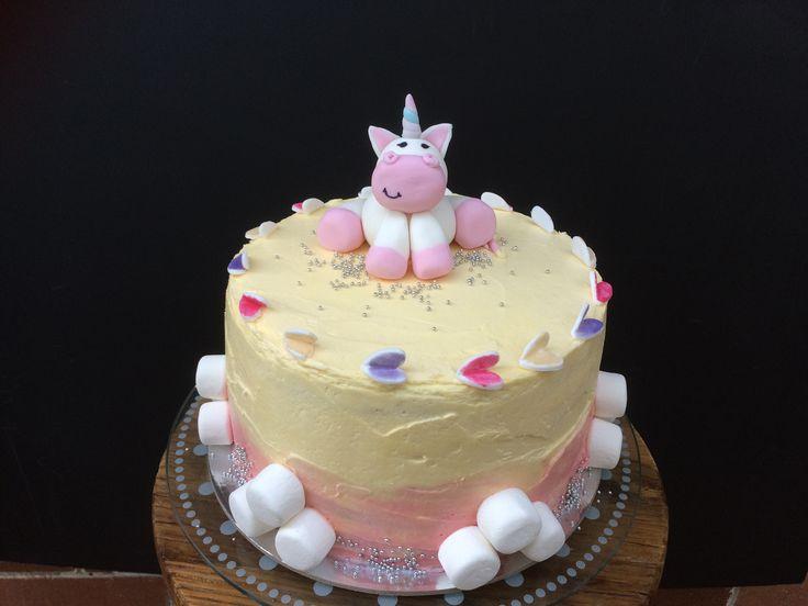 Unicorn cake by Little Pudding