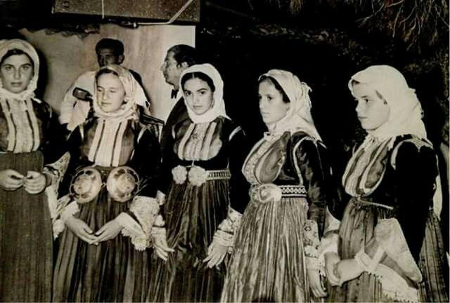 SKIATHOS 1970 ΦΩΤ,ΜΑΡΚΟΥ ΜΠΟΤΣΑΡΗ.