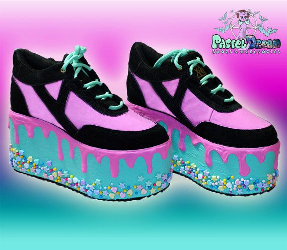 Hey, I found this really awesome Etsy listing at https://www.etsy.com/listing/262011919/candyholic-yru-drippy-platforms-cupcake