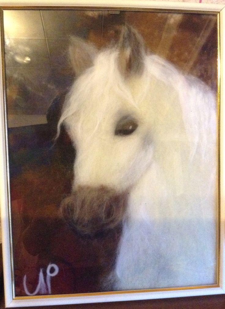 Лошадь. Картина из шерсти