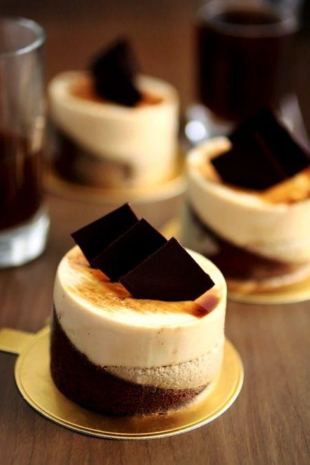 café caramel. kahlua-soaked choc biscuit sponge, coffee mousse, caramel mousse, coffee fluid gel & dark choc decor