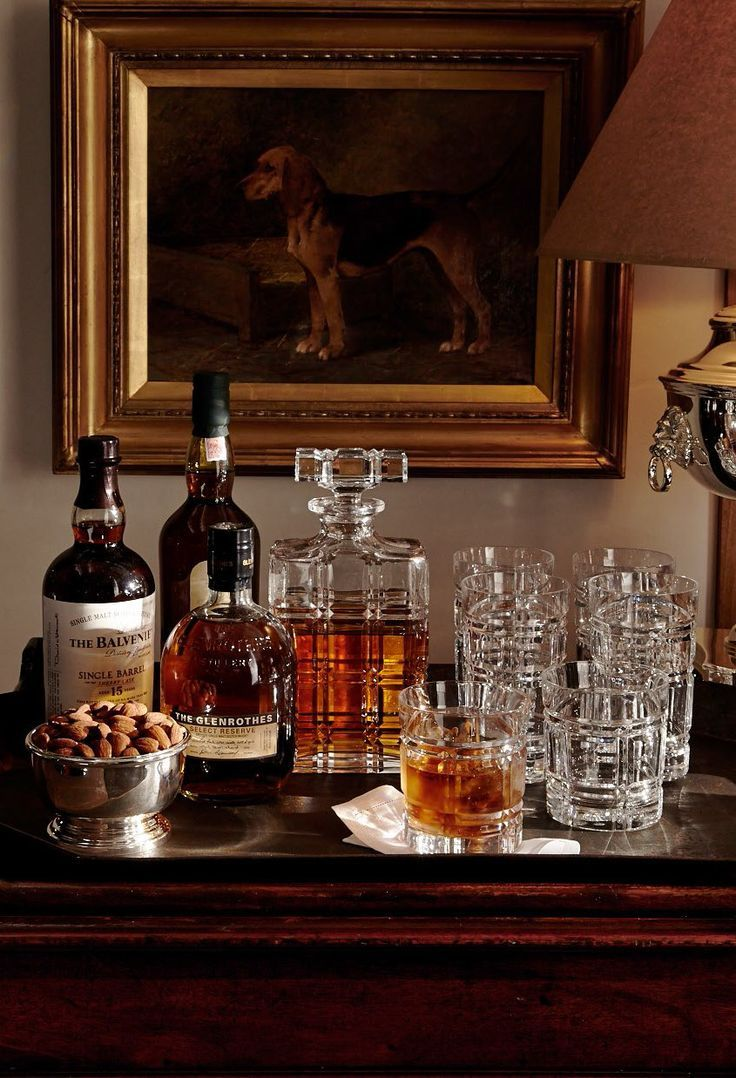 Sophisticated cocktailing with Ralph Lauren Home Greenwich hand-cut crystal barware