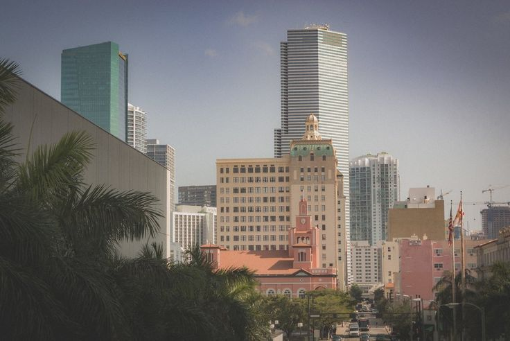 Майами которое не бич      #citylife #cityscape #downtown #skyline #florida #america #miamibeach #building #southbeach #buildings #town #europe #305 #skyscraper #architecturelovers #travelling #cities #miamilife #uk #brickell #lines #archilovers #wynwood #architectureporn #architexture #traveler #unitedstates #doral #archidaily #perspective