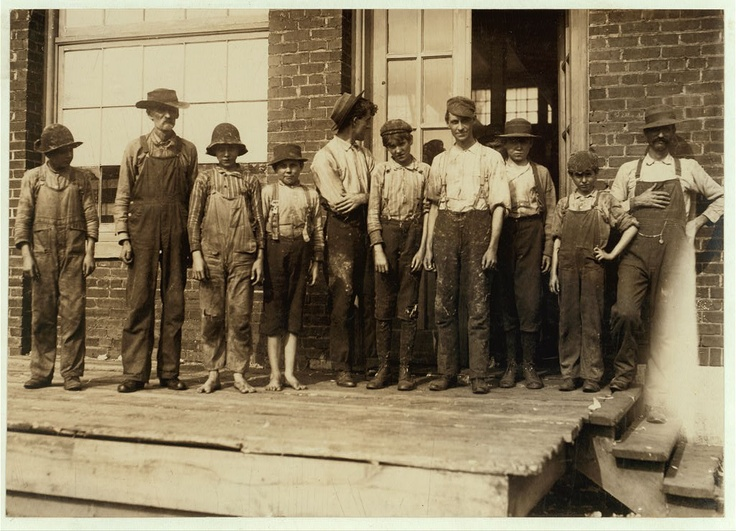 (Photo, Group of young boys working in Central Cotton Mills. (Owned by Avondale Mills.) Not nearly so many youngsters here as there are at the Avondle Mills. Location: Sylacauga, Alabama, Nov. 1910, Lewis Hine,  http://hdl.loc.gov/loc.pnp/nclc.01955) Why would cotton mill workers join a union? Click the photo for a lesson plan on early 20th-c. labor.: Mills Photo, Vintage Photographers, Teen, Kid