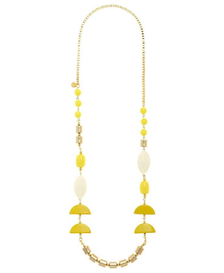 Collana lunga con mezzelune gialle e sfere bianche, dorate e gialle