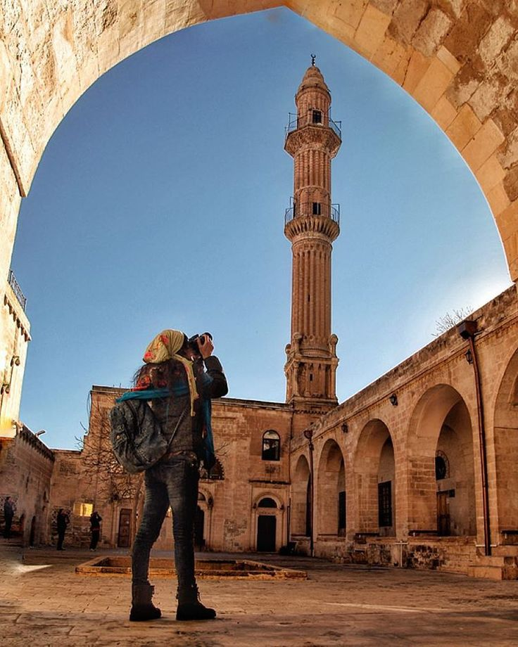 The Sehidiye Mosque and Madrasa in Mardin were constructed between the years 1202 and 1239.The madrasa has a courtyard surrounded with porticos. | Photo by @latifakman. #Turkey #Mardin #Madrasa #Mosque #travel #culture #history #minaret #architecture