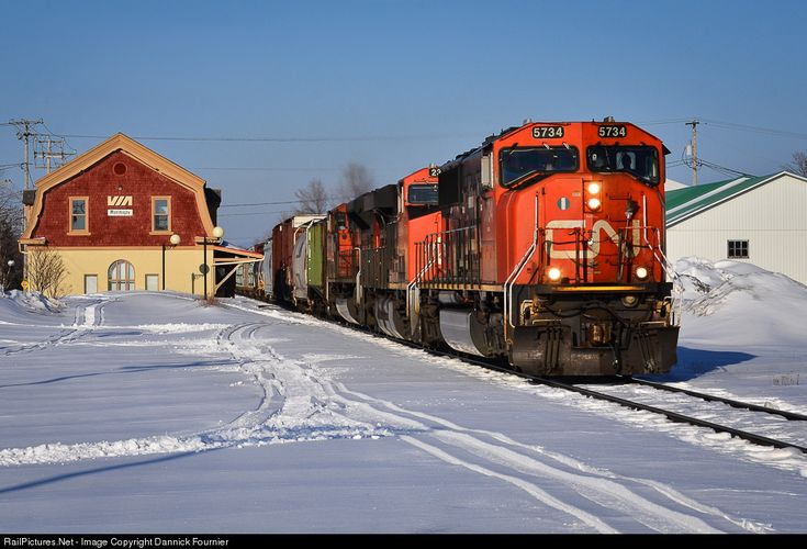 RailPictures.Net Photo: CN 5734 Canadian National Railway EMD SD75I at Montmagny, Quebec, Canada by Dannick Fournier