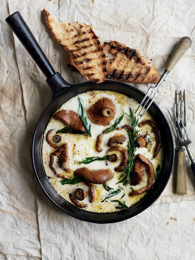 herb + mozarella mushrooms + garlic toasts