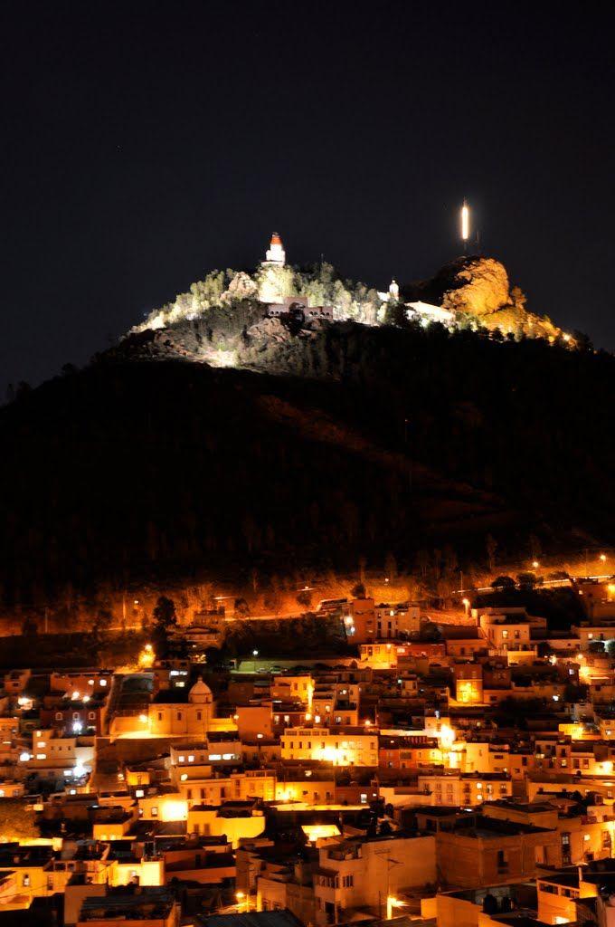 El cerro de la La Bufa De Noche Iluminada, Zacatecas Mexico