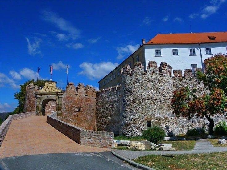 Váraink Kastélyaink - Dél-Dunántúli vár - Siklós - Dunántúl   fotó Várak Kastélyok Magyarországon oldal